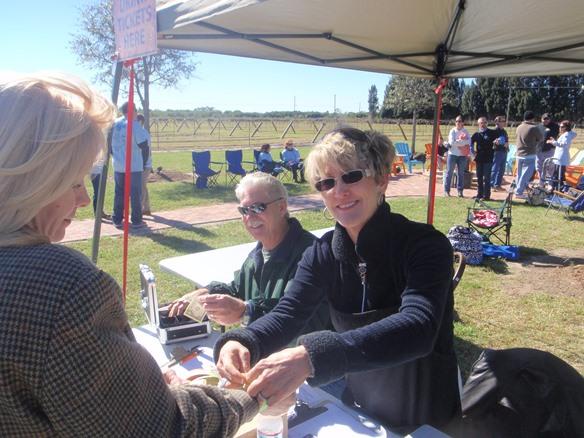 Vineyard Volunteers