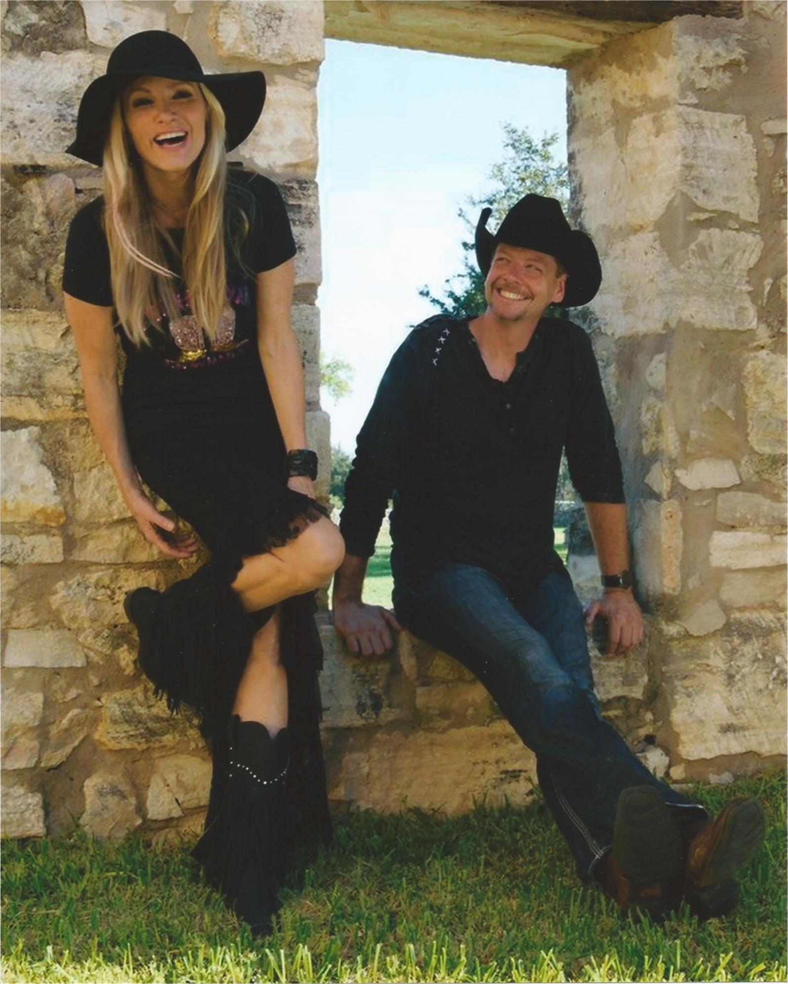 FREE CONCERT with Nashville Singer Songwriters & Trop Rock legends Thom Shepherd & Coley McCabe.